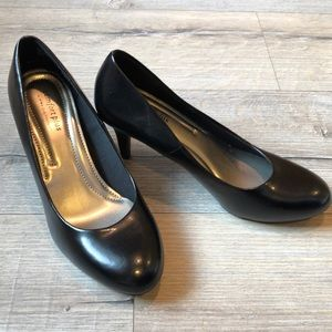 Black Comfort plus pumps size 8